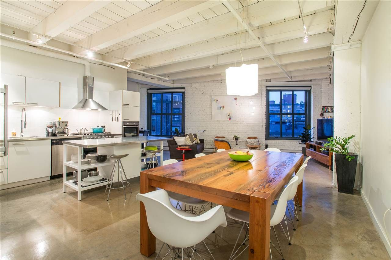 """Main Photo: 303 55 E CORDOVA Street in Vancouver: Downtown VE Condo for sale in """"Koret Lofts"""" (Vancouver East)  : MLS®# R2586602"""