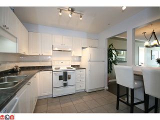 """Photo 5: 310 20433 53RD Avenue in Langley: Langley City Condo for sale in """"COUNTRYSIDE ESTATES"""" : MLS®# F1118289"""
