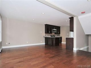 Photo 6: 103 982 Rattanwood Pl in VICTORIA: La Happy Valley Row/Townhouse for sale (Langford)  : MLS®# 635443