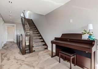 Photo 9: 1922 22 Avenue NW in Calgary: Banff Trail Semi Detached for sale : MLS®# A1079833