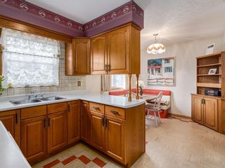 Photo 5: 75 GRAFTON Crescent SW in Calgary: Glamorgan Detached for sale : MLS®# C4235461
