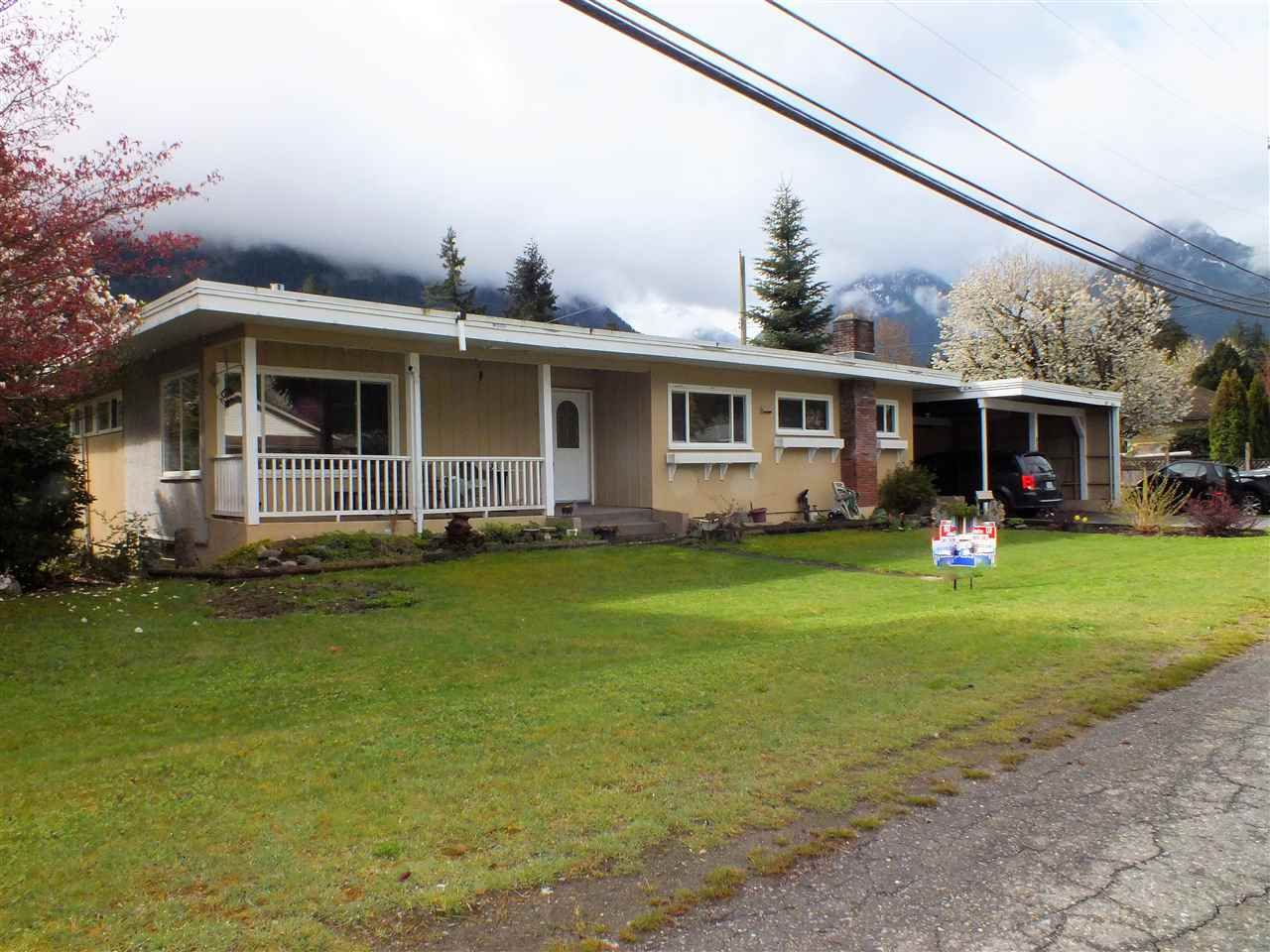 Main Photo: 338 KING Street in Hope: Hope Center House for sale : MLS®# R2360142