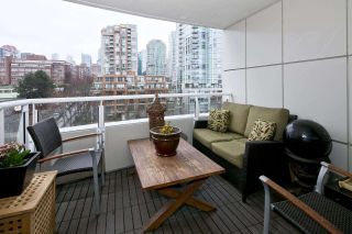 """Photo 18: 909 1500 HORNBY Street in Vancouver: Yaletown Condo for sale in """"888 BEACH"""" (Vancouver West)  : MLS®# R2020455"""
