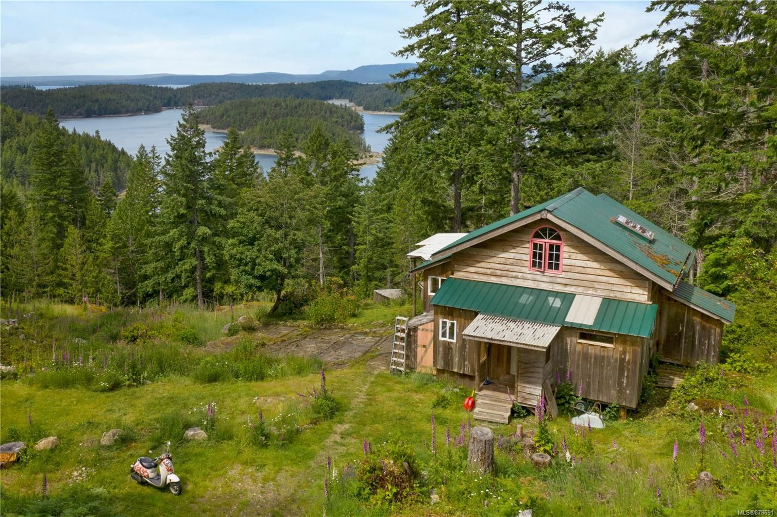 Photo 17: Photos: 979 Thunder Rd in : Isl Cortes Island House for sale (Islands)  : MLS®# 878691