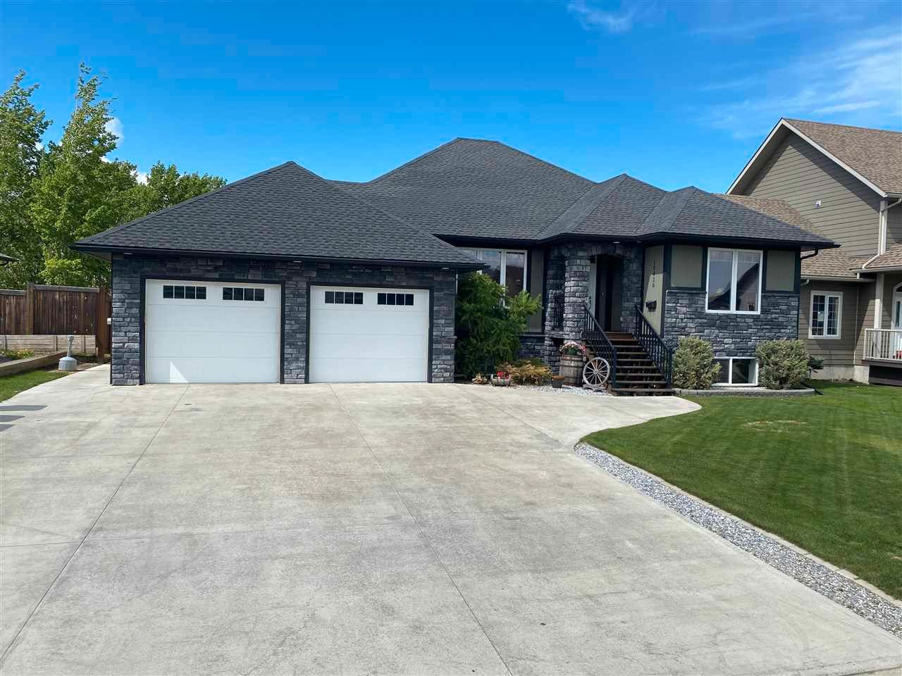 """Main Photo: 10416 114A Avenue in Fort St. John: Fort St. John - City NW House for sale in """"COUNTRY VIEW ESTATES"""" (Fort St. John (Zone 60))  : MLS®# R2585634"""