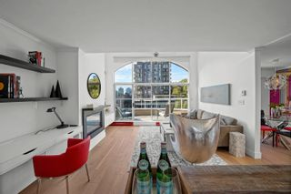 """Photo 3: PH2 950 BIDWELL Street in Vancouver: West End VW Condo for sale in """"The Barclay"""" (Vancouver West)  : MLS®# R2617906"""