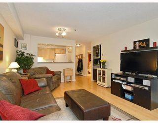 """Photo 2: 102 1525 PENDRELL Street in Vancouver: West End VW Condo for sale in """"CHARLOTTE GARDENS"""" (Vancouver West)  : MLS®# V754405"""