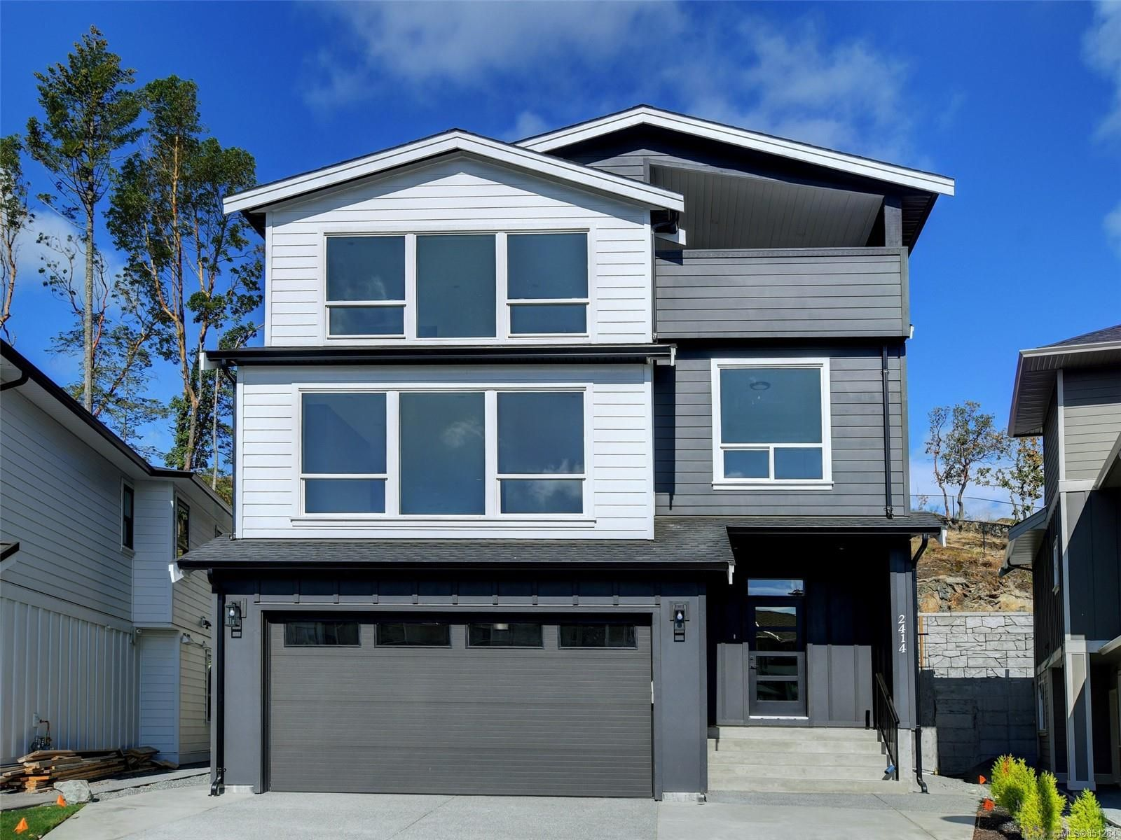 Main Photo: 2414 Azurite Cres in : La Bear Mountain House for sale (Langford)  : MLS®# 851284