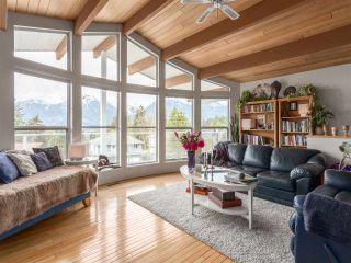 "Photo 2: 1071 GLACIER VIEW Drive in Squamish: Garibaldi Highlands House for sale in ""Garibaldi Highlands"" : MLS®# R2153078"