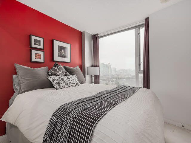 """Photo 7: Photos: 1010 550 TAYLOR Street in Vancouver: Downtown VW Condo for sale in """"TAYLOR"""" (Vancouver West)  : MLS®# V1097572"""