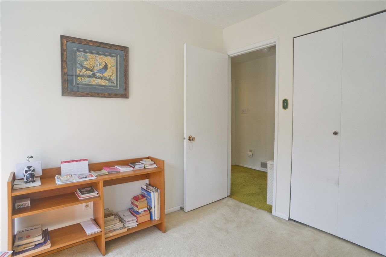 Photo 12: Photos: 4725 FERNGLEN PLACE in Burnaby: Greentree Village Townhouse for sale (Burnaby South)  : MLS®# R2163042