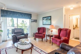 """Photo 3: 210 32044 OLD YALE Road in Abbotsford: Abbotsford West Condo for sale in """"Green Gables"""" : MLS®# R2375417"""