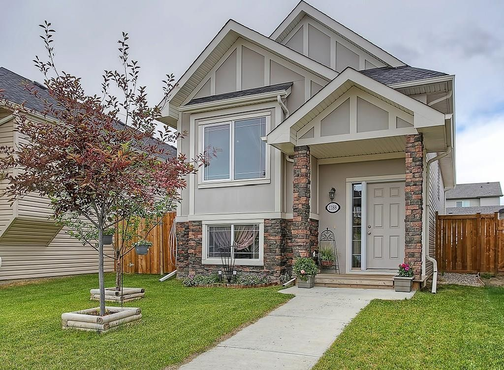 Main Photo: 1188 KINGS HEIGHTS Road SE: Airdrie House for sale : MLS®# C4125502