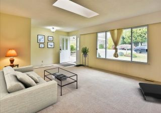 Photo 7: 15660 ASTER Road in Surrey: King George Corridor House for sale (South Surrey White Rock)  : MLS®# R2448556