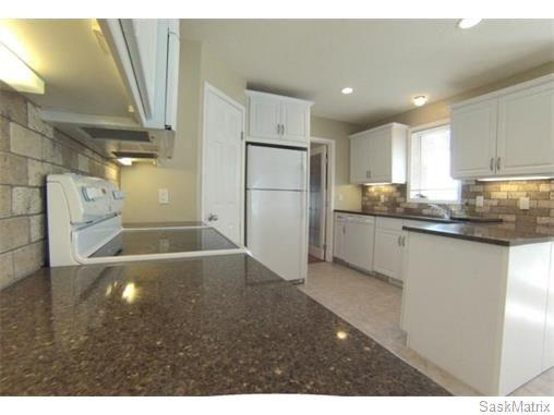 Photo 6: Photos: 606 Forsyth Crescent in Saskatoon: Erindale Single Family Dwelling for sale (Saskatoon Area 01)  : MLS®# 568828