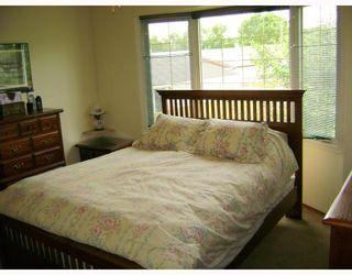 Photo 9: 140 BENTLEY Street in WINNIPEG: Maples / Tyndall Park Residential for sale (North West Winnipeg)  : MLS®# 2813042