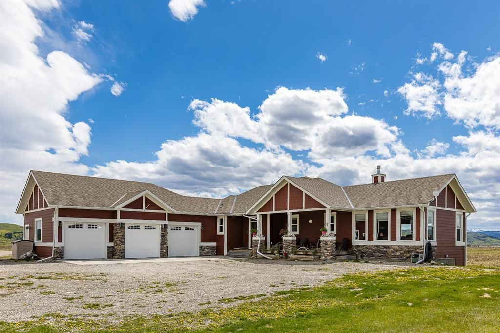 Main Photo: 263072 Rge Rd 60 in Rural Rocky View County: Rural Rocky View MD Detached for sale : MLS®# A1112377