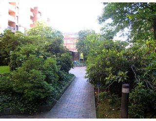 """Photo 9: 708 950 DRAKE Street in Vancouver: Downtown VW Condo for sale in """"ANCHOR POINT"""" (Vancouver West)  : MLS®# V661241"""
