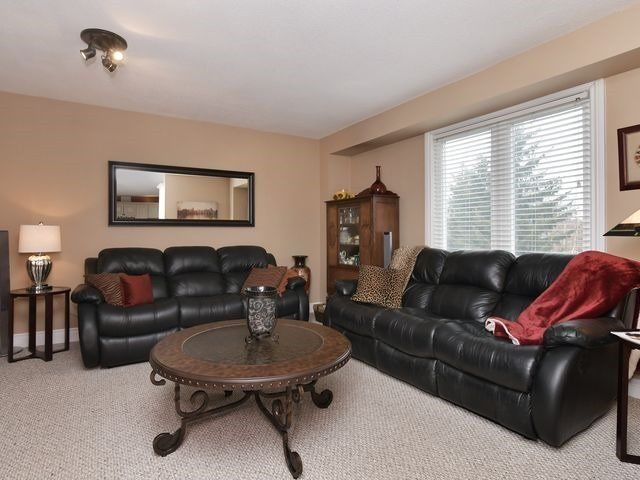 Photo 9: Photos: 234 Kensington Place: Orangeville House (2-Storey) for sale : MLS®# W4034442