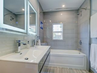 Photo 13: 28 Lotus St in : Vi Burnside House for sale (Victoria)  : MLS®# 883709
