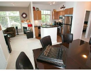 Photo 1: 109 2330 WILSON Avenue in Port_Coquitlam: Central Pt Coquitlam Condo for sale (Port Coquitlam)  : MLS®# V657811