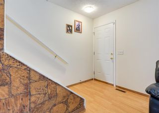 Photo 12: 3920 Fonda Way SE in Calgary: Forest Heights Row/Townhouse for sale : MLS®# A1116070