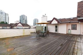 """Photo 14: 404 3668 RAE Avenue in Vancouver: Collingwood VE Condo for sale in """"RAE COURT"""" (Vancouver East)  : MLS®# R2350560"""