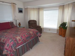 """Photo 10: 198 1840 160TH Street in Surrey: King George Corridor Manufactured Home for sale in """"BREAKAWAY BAYS"""" (South Surrey White Rock)  : MLS®# F1416138"""