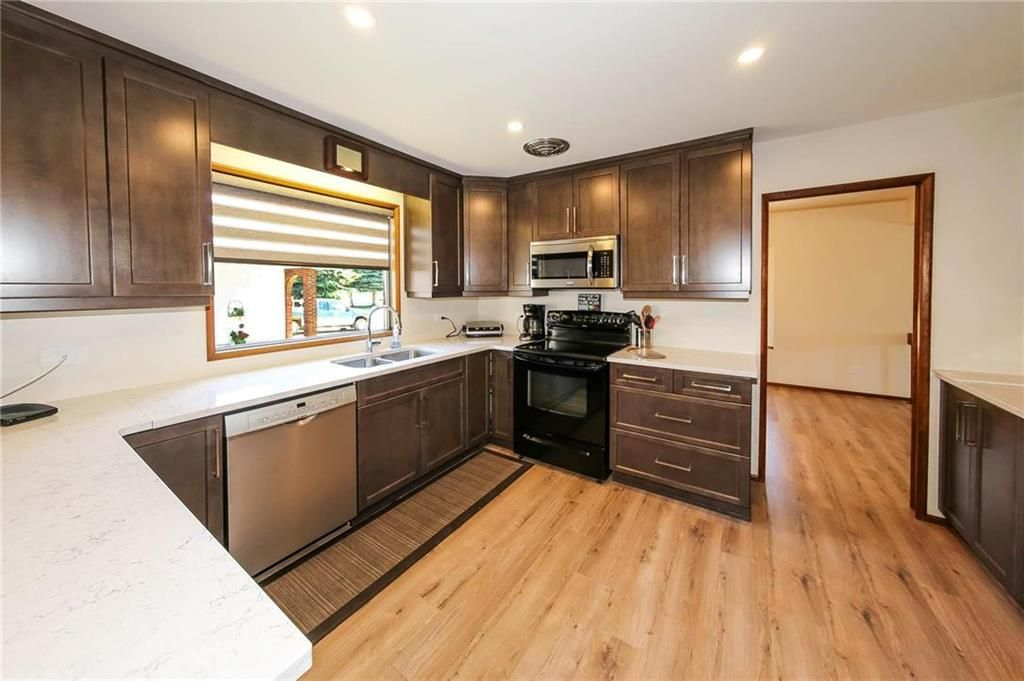 Photo 5: Photos: 80 Malcana Street in Winnipeg: North Kildonan Residential for sale (3G)  : MLS®# 202014380