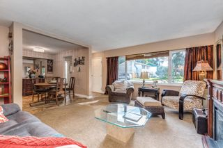 Photo 4: 931 RAYMOND Avenue in Port Coquitlam: Lincoln Park PQ House for sale : MLS®# R2622296