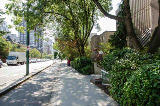 """Photo 2: 109 1080 PACIFIC Street in Vancouver: West End VW Condo for sale in """"THE CALIFORNIAN"""" (Vancouver West)  : MLS®# R2541335"""