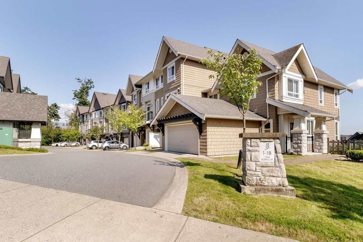 """Main Photo: 16 1295 SOBALL Street in Coquitlam: Burke Mountain Townhouse for sale in """"Tyneridge"""" : MLS®# R2475287"""