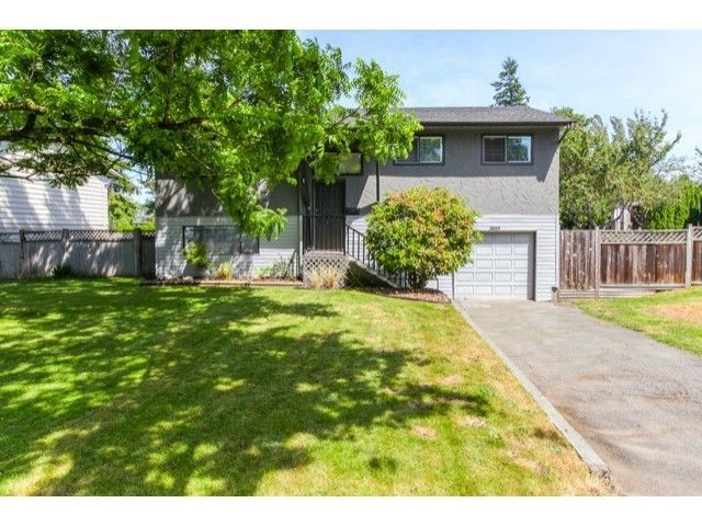 Main Photo: 7612 140A Street in Surrey: Home for sale : MLS®# F1444700