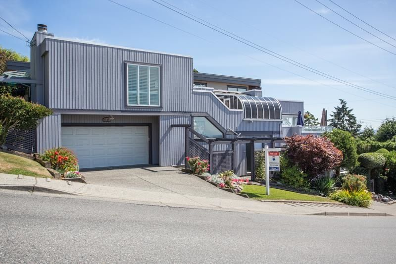 """Main Photo: 1246 OXFORD Street: White Rock House for sale in """"HILLSIDE"""" (South Surrey White Rock)  : MLS®# R2615976"""
