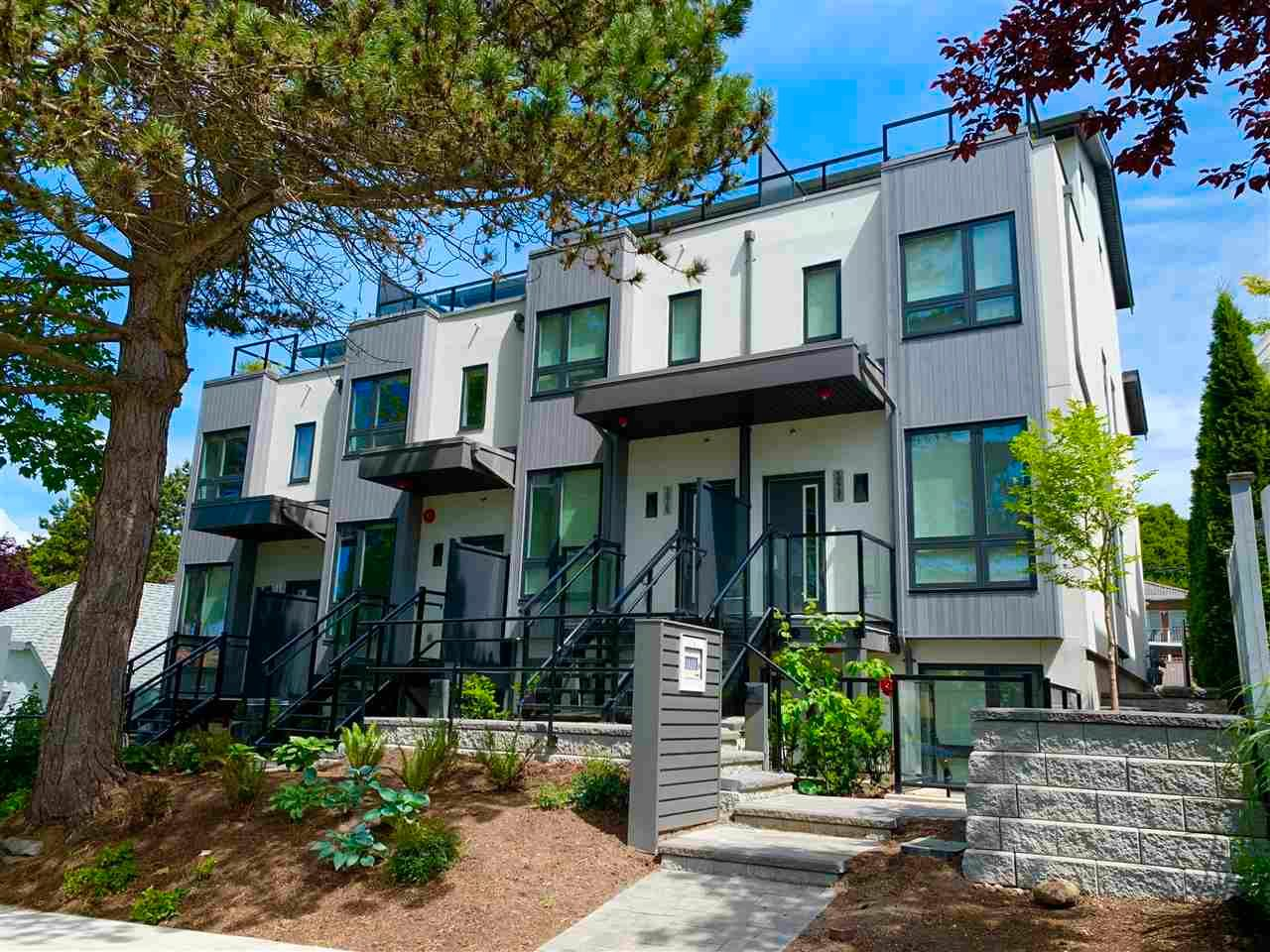 Main Photo: 2729 DUKE Street in Vancouver: Collingwood VE Townhouse for sale (Vancouver East)  : MLS®# R2589429