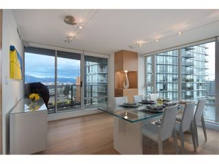 """Photo 3: 1203 918 COOPERAGE Way in Vancouver: Yaletown Condo for sale in """"THE MARINER"""" (Vancouver West)  : MLS®# V1048985"""