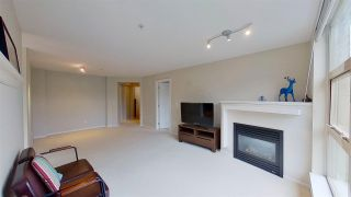 Photo 5: 416 9319 UNIVERSITY Crescent in Burnaby: Simon Fraser Univer. Condo for sale (Burnaby North)  : MLS®# R2575463