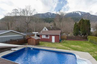 Photo 17: 41495 BRENNAN Road in Squamish: Brackendale House for sale : MLS®# R2151651