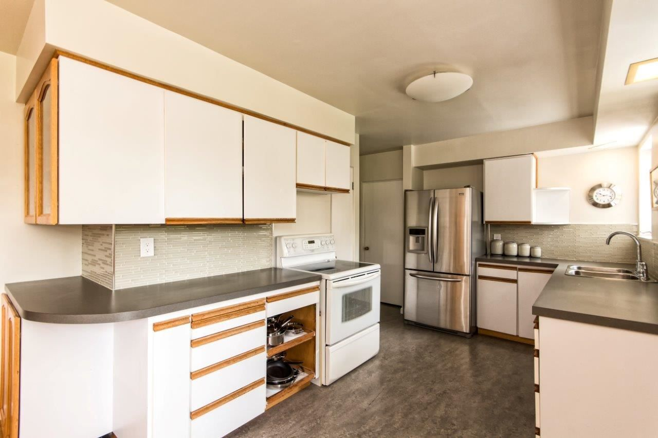 """Photo 6: Photos: 915 E 13TH Street in North Vancouver: Boulevard House for sale in """"Grand Boulevard"""" : MLS®# R2535688"""