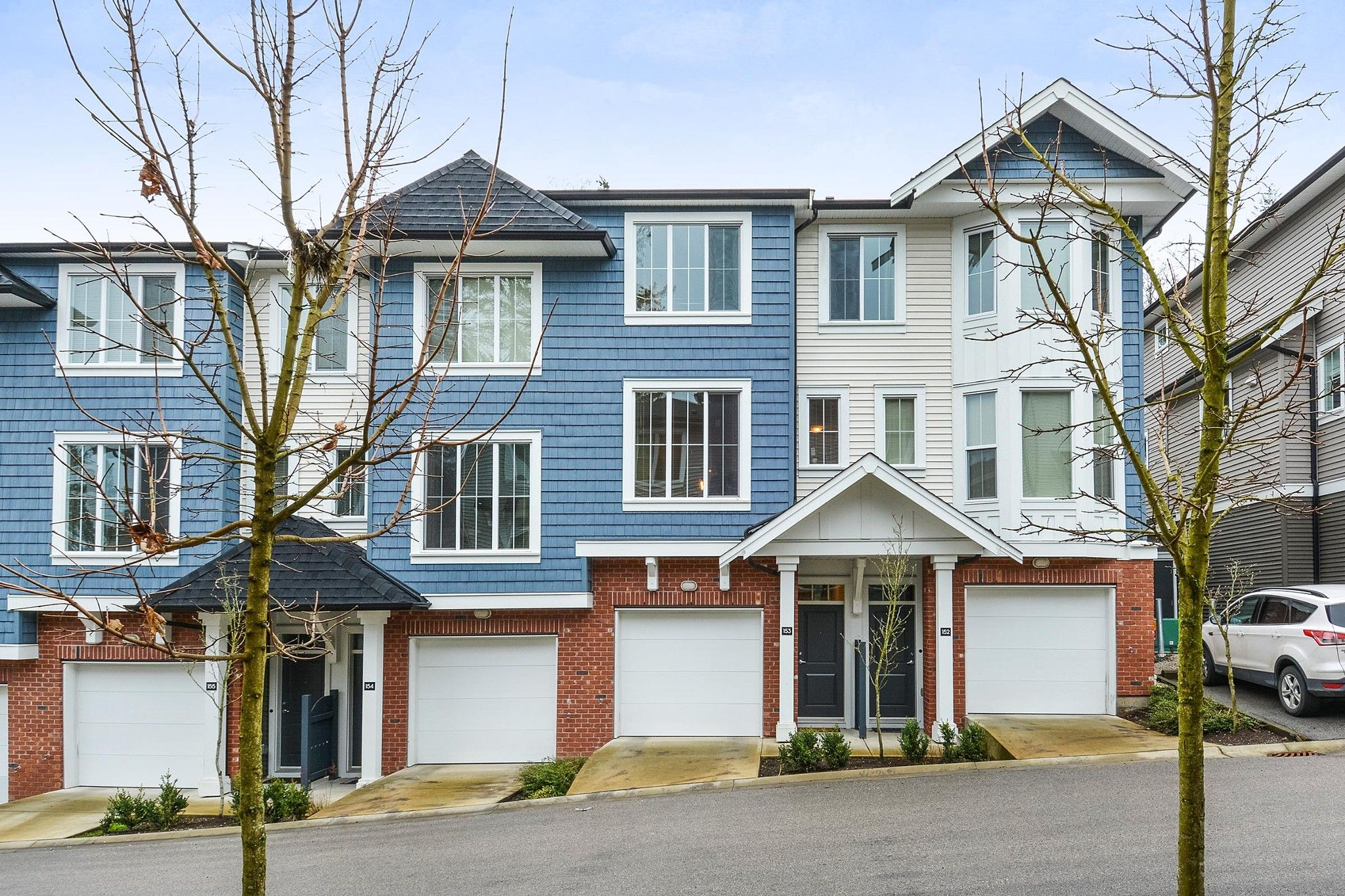"""Main Photo: 153 14833 61 Avenue in Surrey: Sullivan Station Townhouse for sale in """"ASHBURY HILL"""" : MLS®# R2234693"""
