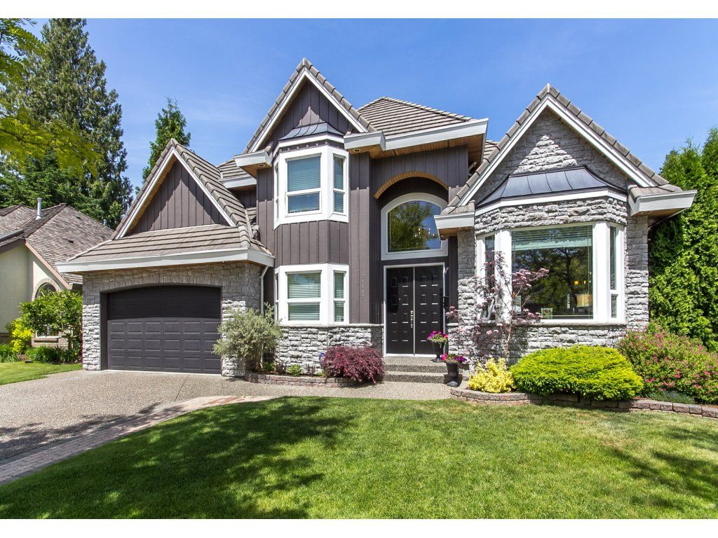 "Photo 2: Photos: 21113 44A Avenue in Langley: Brookswood Langley House for sale in ""CEDAR RIDGE"" : MLS®# R2173937"