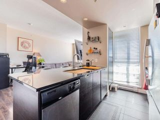"""Photo 4: 2301 2968 GLEN Drive in Coquitlam: North Coquitlam Condo for sale in """"Grand central II"""" : MLS®# R2552070"""