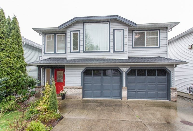 Main Photo: 11661 207 Street in Maple Ridge: Southwest Maple Ridge House for sale : MLS®# R2556742