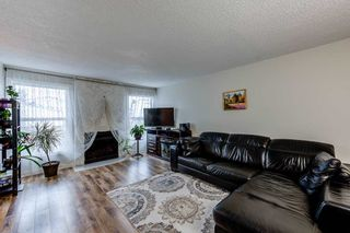 Photo 2: 1126 KNOTTWOOD Road E in Edmonton: Zone 29 Townhouse for sale : MLS®# E4241225