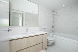 """Photo 15: 210 177 W 3RD Street in North Vancouver: Lower Lonsdale Condo for sale in """"West Third"""" : MLS®# R2487439"""