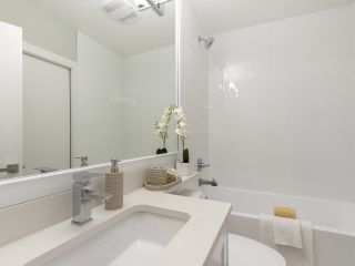Photo 13: 949 E 20TH AVENUE in Vancouver: Fraser VE Townhouse for sale (Vancouver East)  : MLS®# R2288935
