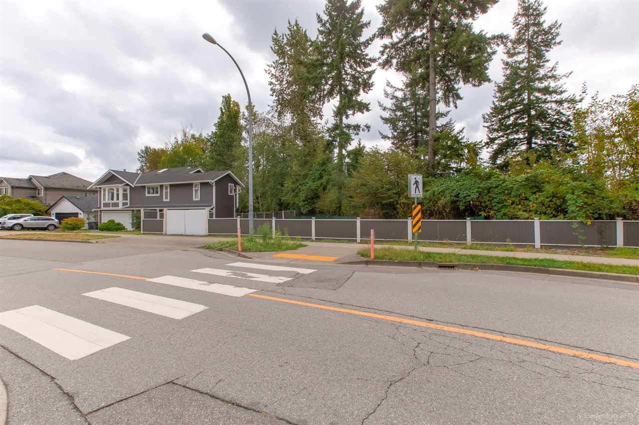 Photo 5: Photos: 19286 PARK Road in Pitt Meadows: Mid Meadows House for sale : MLS®# R2510376