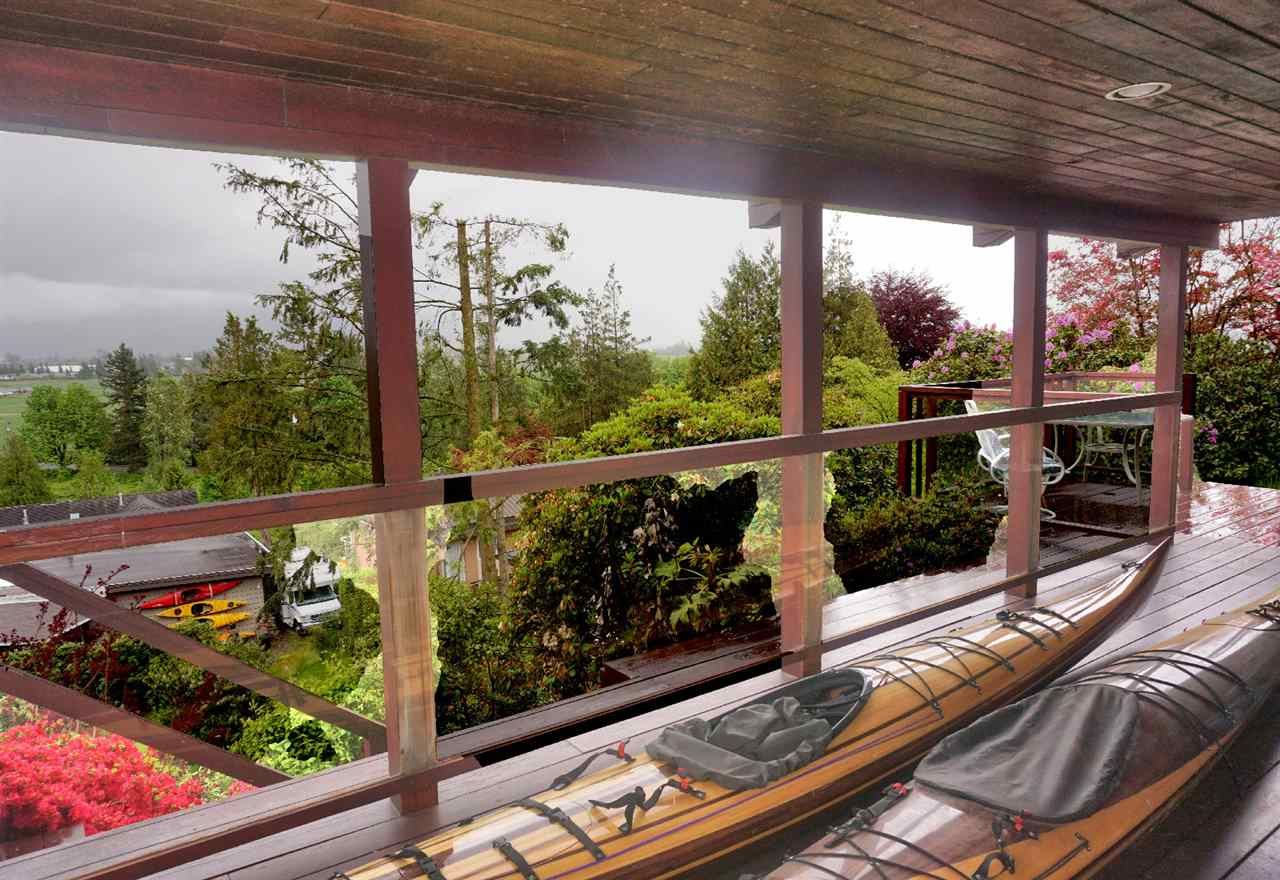 Photo 4: Photos: 10040 TIMBERLINE Place in Chilliwack: Little Mountain House for sale : MLS®# R2167640