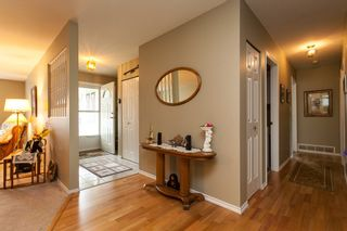 Photo 4: 21583 93B Avenue in Langley: Walnut Grove House for sale : MLS®# R2160482