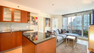 """Photo 1: 1007 822 SEYMOUR Street in Vancouver: Downtown VW Condo for sale in """"L'ARIA"""" (Vancouver West)  : MLS®# R2615782"""
